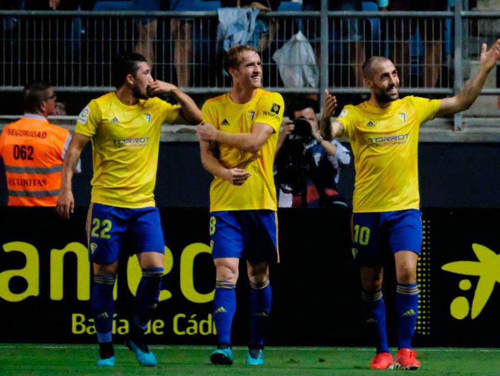 El Cádiz celebra su primer gol al Girona (@LaLiga)