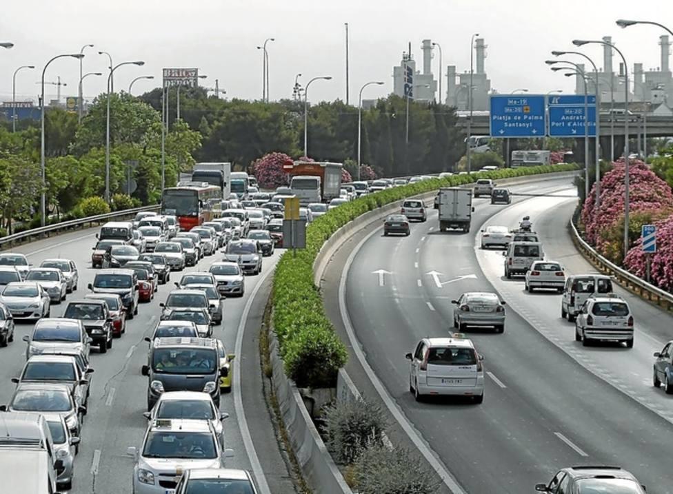 Limitar la velocidad a 100 km/h en la vía de Cintura reduciría accidentes, atascos y contaminación
