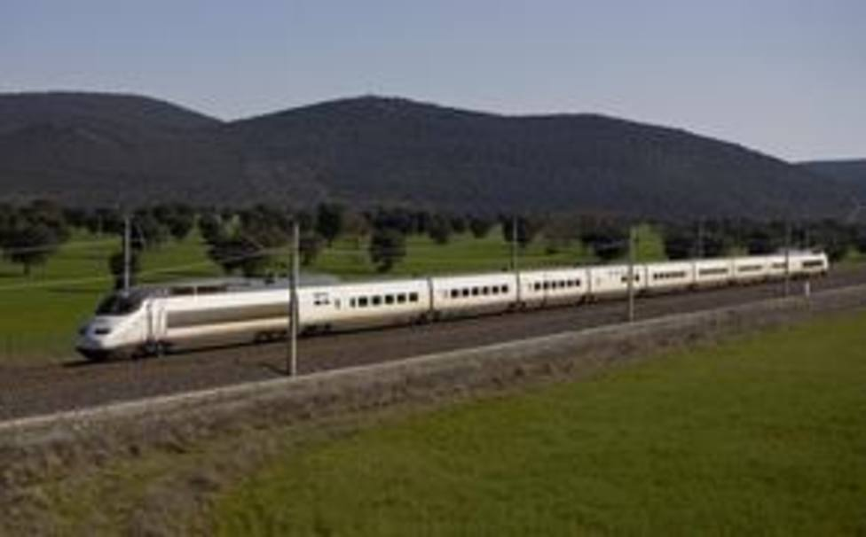 Transporte pone a disposición de las comunidades autónomas trenes medicalizados de Renfe