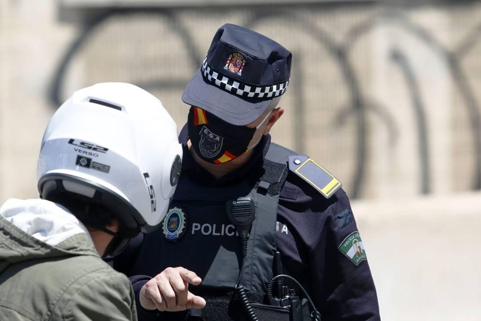 Policia multa