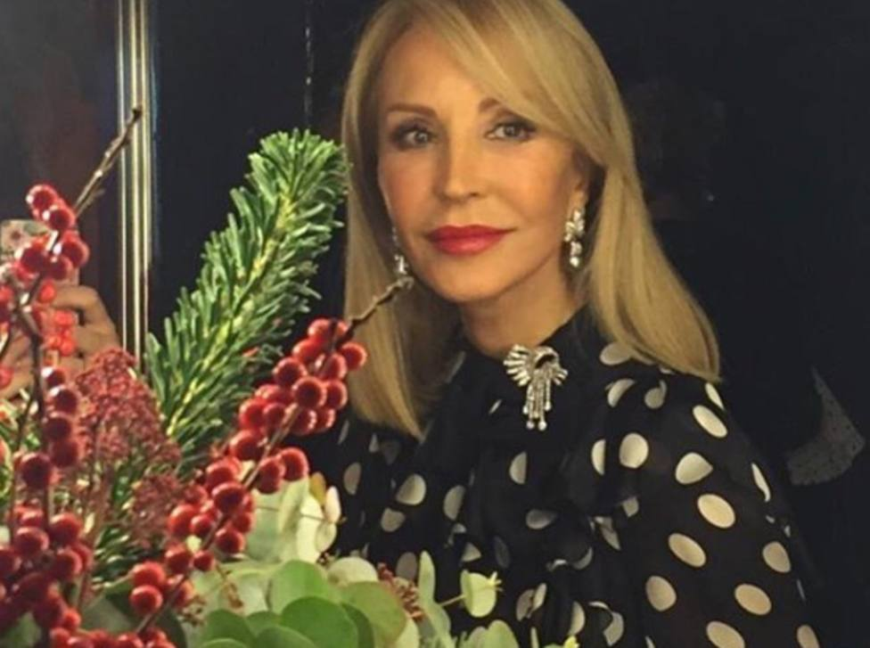 Carmen Lomana desvela uno de sus looks estrella