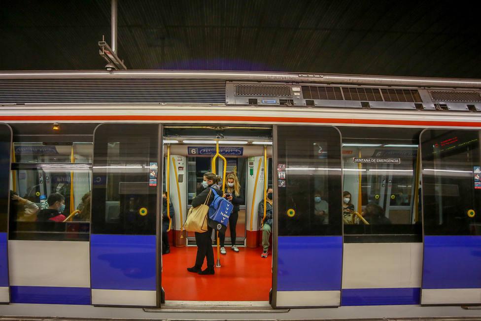 La mascarilla es obligatoria en los transportes públicos de Madrid