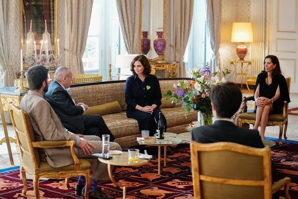 Ayuso aborda con el embajador de Francia la estrategia serológica de la Comunidad como clave contra el virus