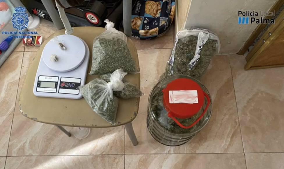 Sucesos.- Detenidas tres personas en Palma que repartían drogas a domicilio