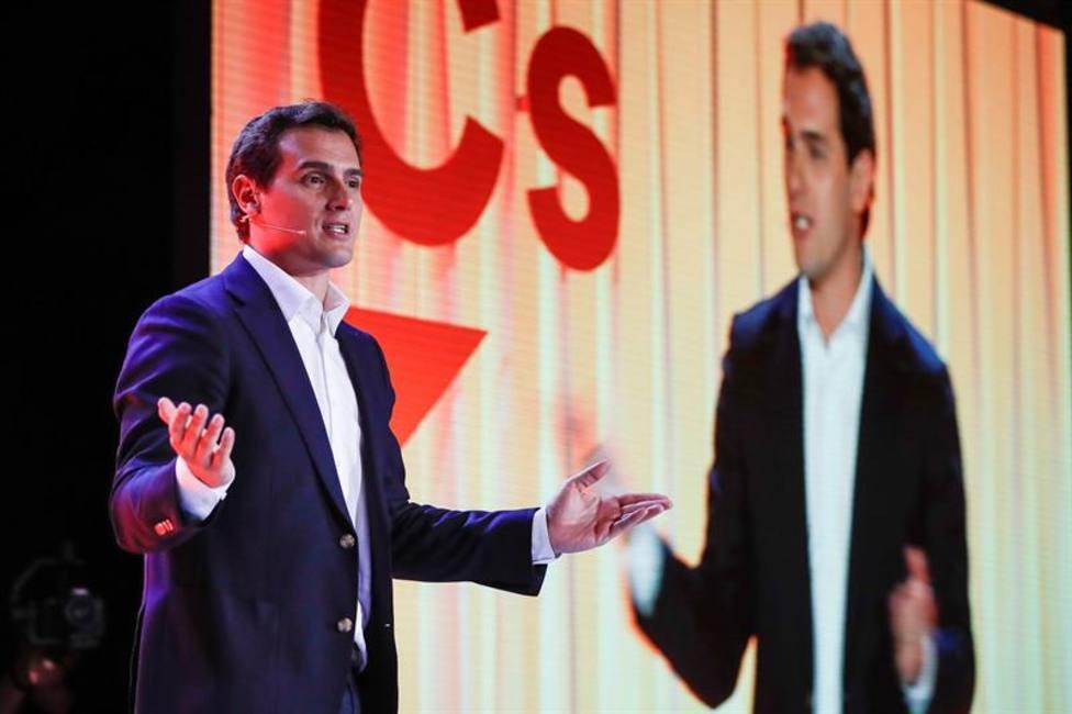 Rivera abre la puerta a formar gobierno con los votos de VOX