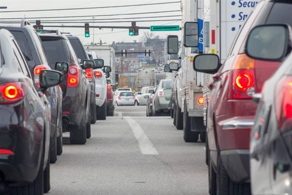 Procesión de vehículos en Semana Santa