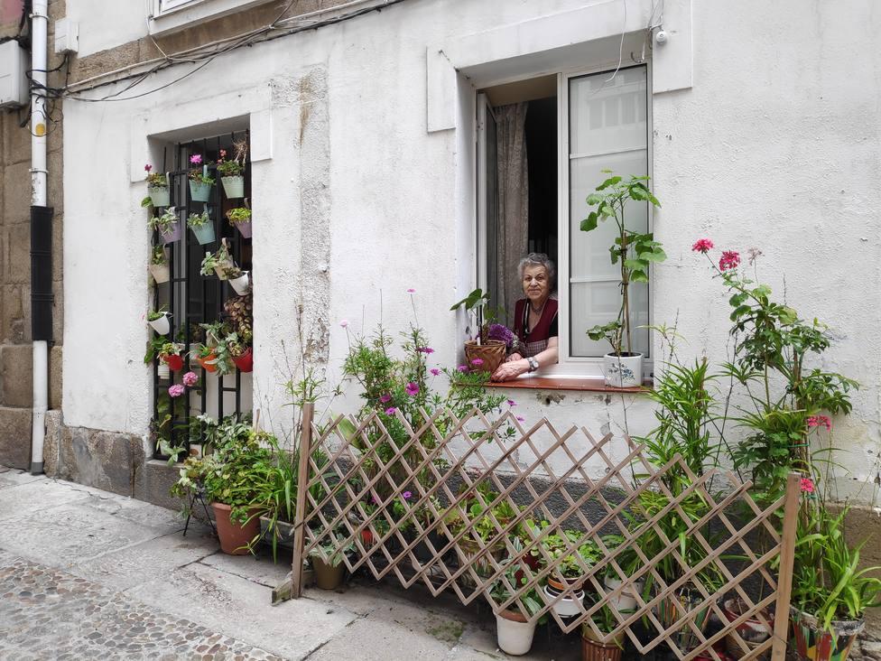 Pilar en su ventana