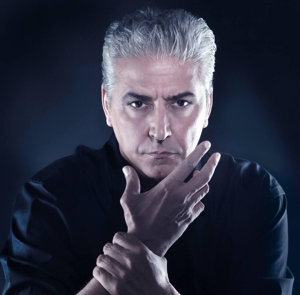 El ilusionista Anthony Blake actúa mañana en Alconbendas (Madrid) para recaudar fondos contra la ablación
