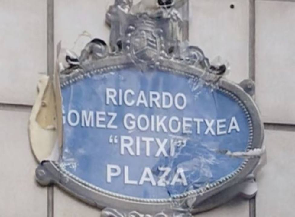 Placa homenaje a un etarra en Bilbao