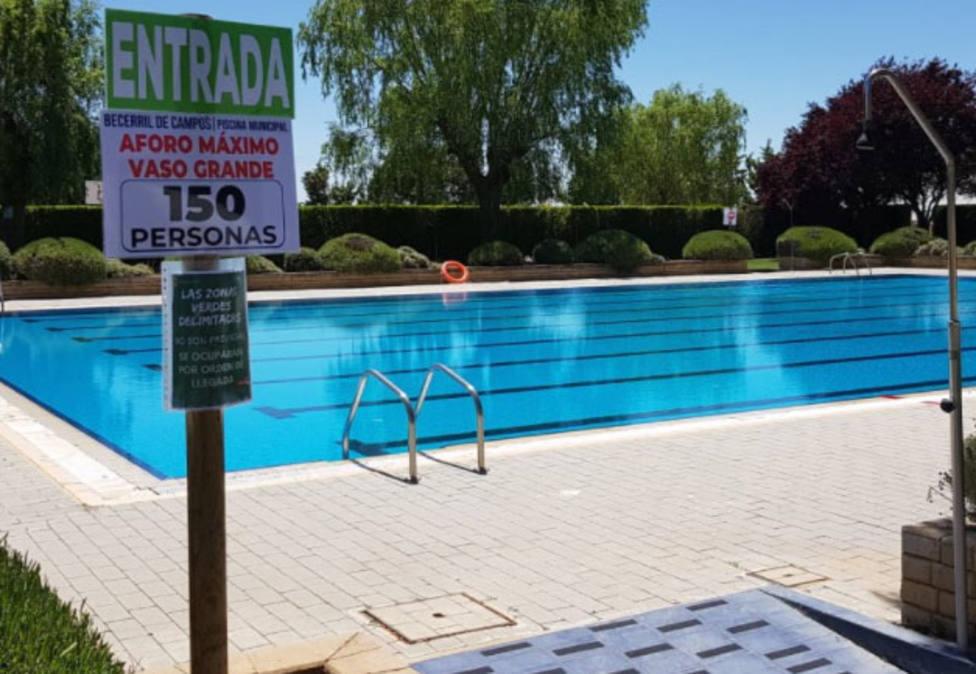 La Diputación compensa con 124.000 euros a 30 ayuntamientos, el incremento de gastos en piscinas por el COVID