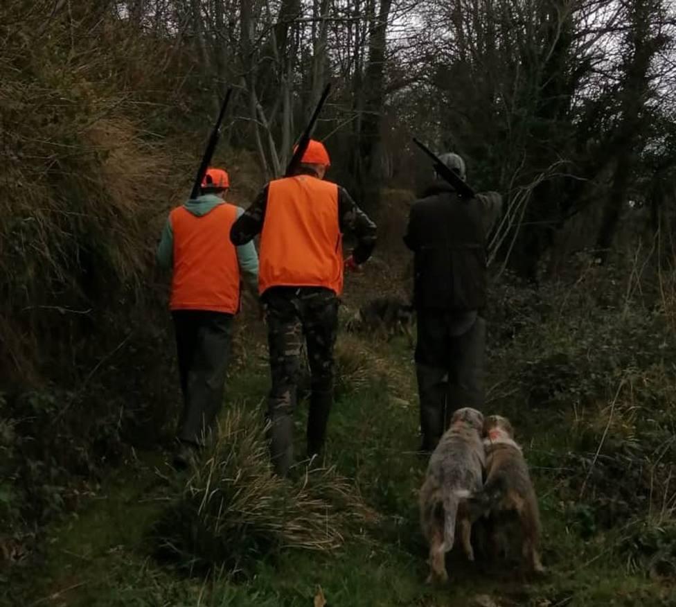 Libera pide más controles en batidas tras resultar heridos dos cazadores en la Ribeira Sacra