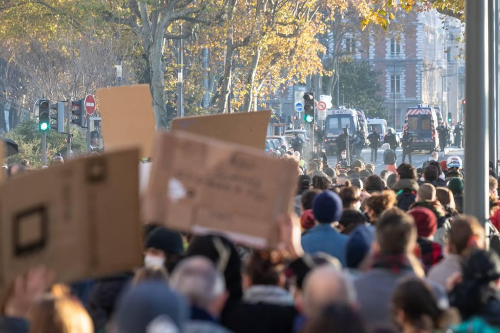 Al menos 37 agentes heridos por escaramuzas entre Policía y participantes en la Marcha de las Libertades