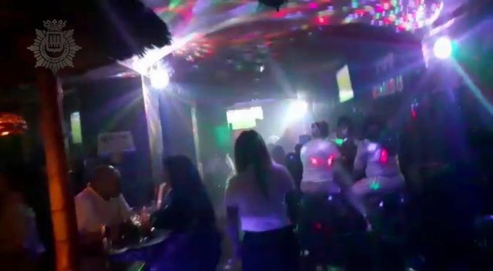 Desalojan una fiesta en un bar de Logroño con 64 personas