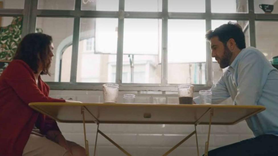 Ayuso demuestra a Gonzo que pagó su estancia en un apartahotel de lujo durante la pandemia: Soy una pringada