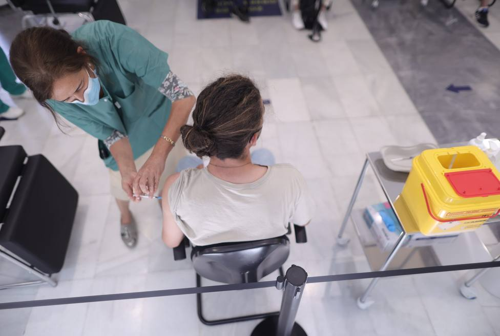 Se disparan las peticiones de cita para vacunarse entre los jóvenes