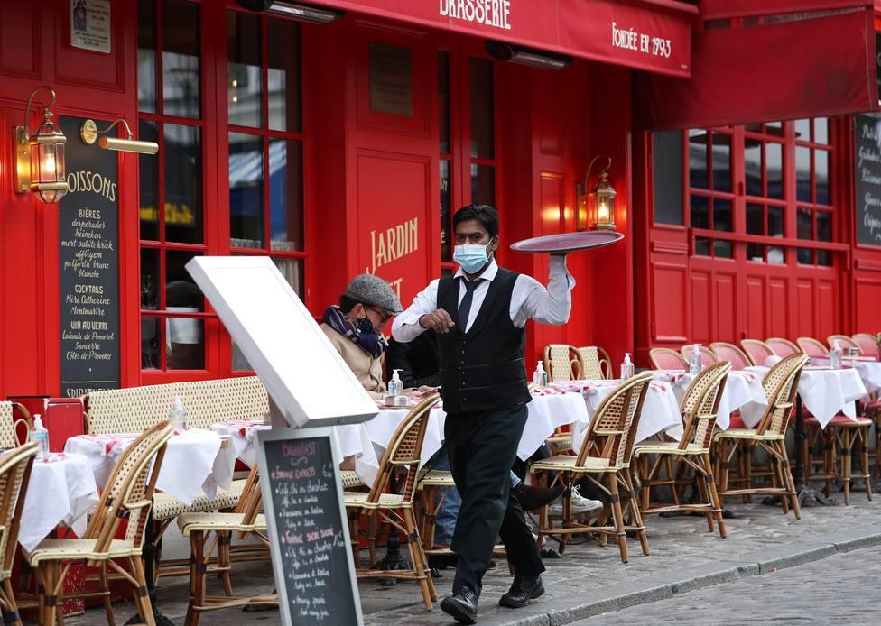 Francia pedirá el certificado de vacunación o un test negativo para entrar en bares y restaurantes