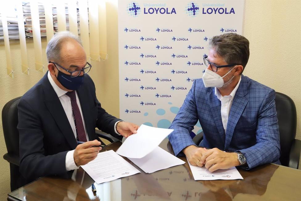 Loyola y Cajasur renuevan su convenio para financiar becas de prácticas en empresas