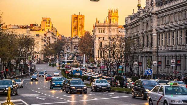 El PP lanza un plan para reducir el tráfico en Madrid con más aparcamientos gratuitos