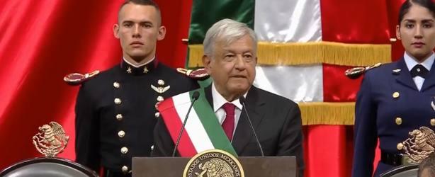 López Obrador promete en su toma de posesión acabar con la corrupción y la impunidad
