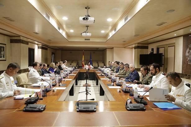 Defensa debatirá el próximo mes el aumento de retribuciones de los militares que piden las asociaciones