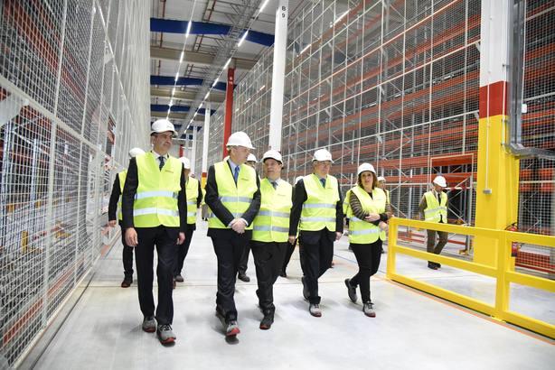 La nave de Amazon en Illescas (Toledo) abre en abril y entrará en pleno funcionamiento en tres años