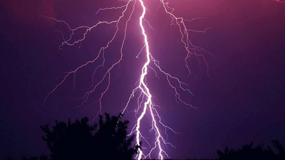 Cuatro fallecidos, entre ellos dos niños, tras una brutal tormenta eléctrica en Polonia