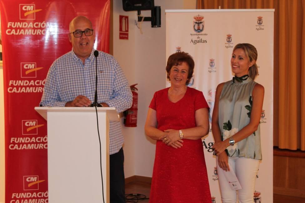 El aula de Cajamurcia acoge la exposición de Isabel Paredes