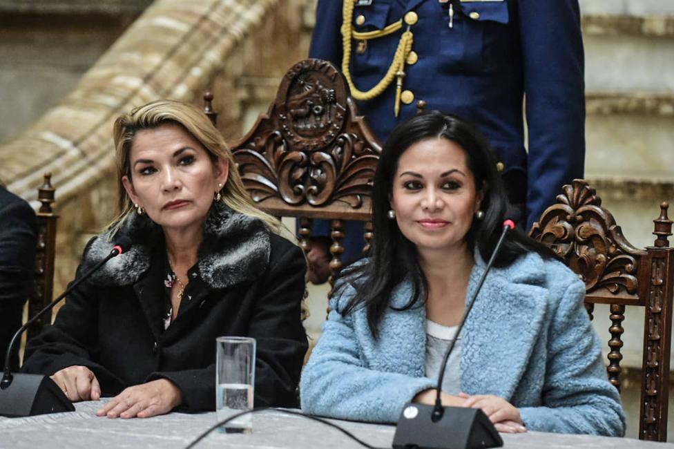 La ministra de Comunicación de Bolivia dimite tras anunciar Áñez su candidatura a la Presidencia