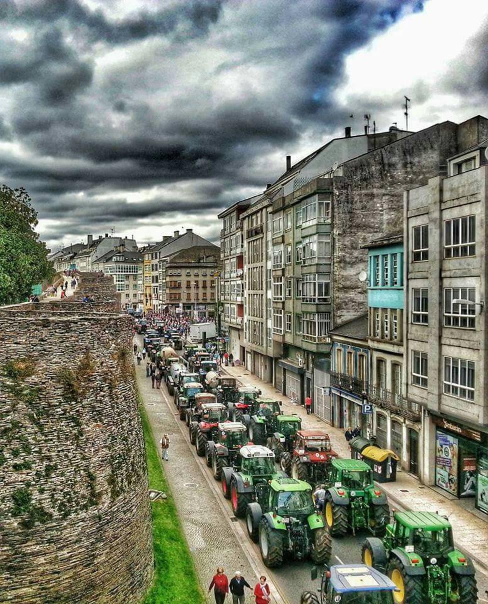 Ganaderos y agricultores lucenses viajan hasta A Coruña para exigir precios justos para el fruto de su trabajo