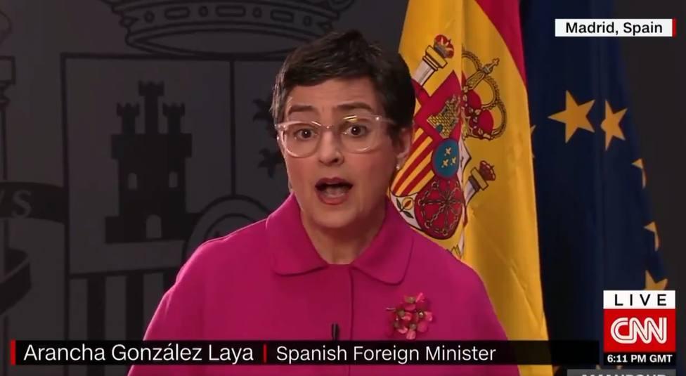 González Laya, en la CNN: Aterrizan constantemente en España aviones con material llegado de todo el mundo