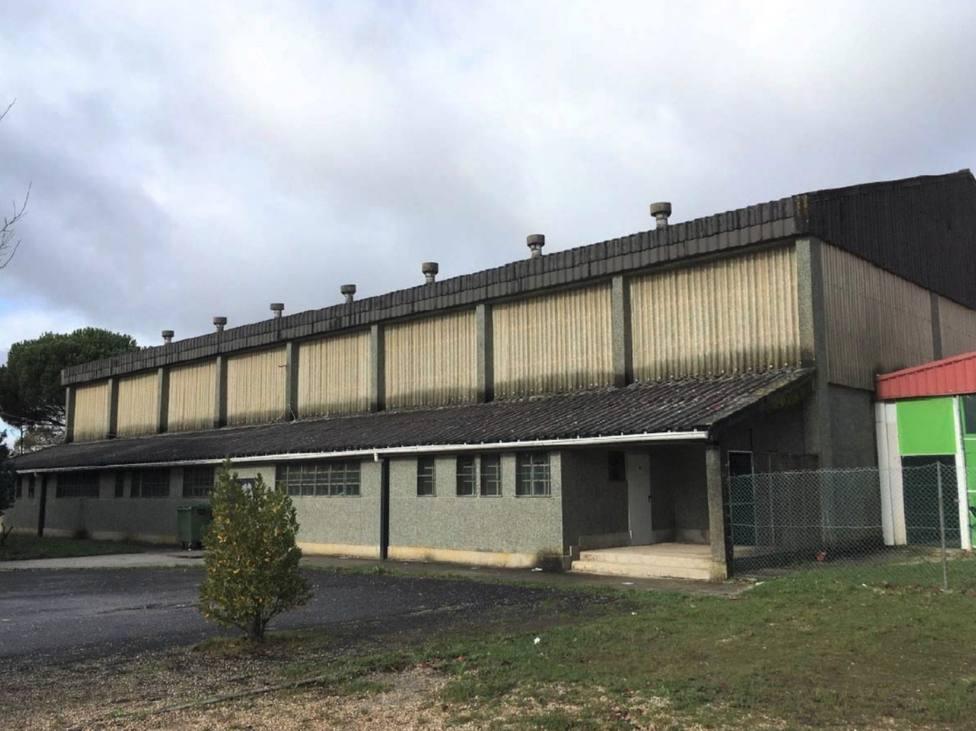 Estado actual que presenta el pabellón del antiguo colegio Monte Caxado - FOTO: Concello de As Pontes