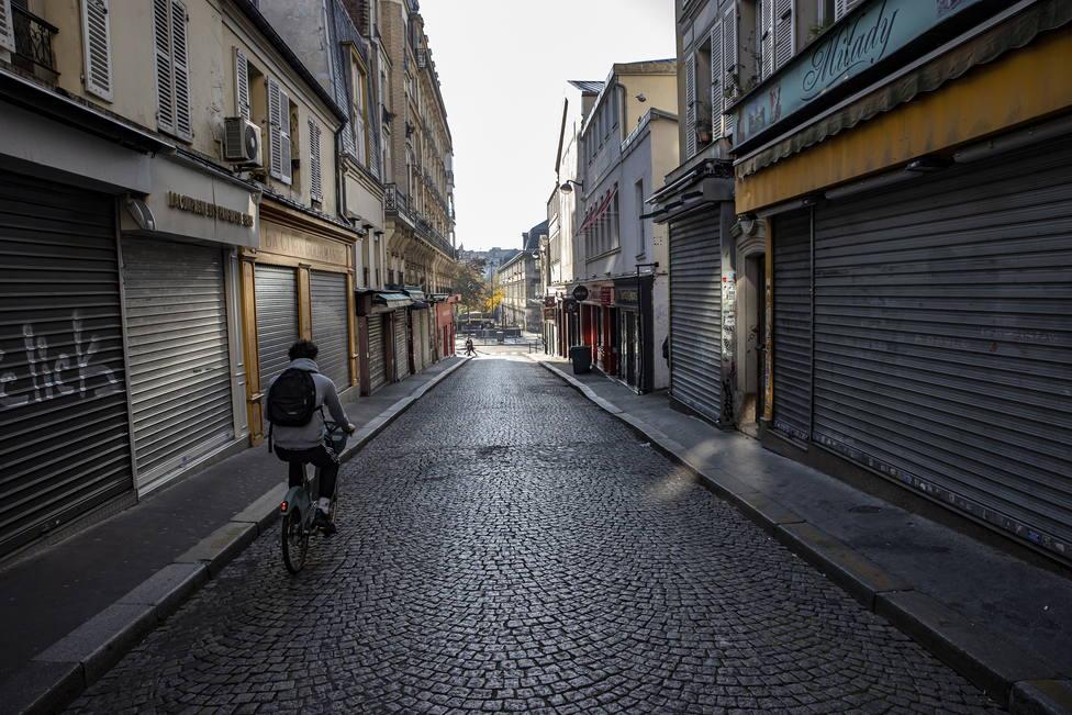 Francia notifica 13.563 casos y 340 muertes por coronavirus en un día