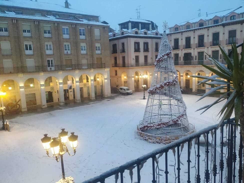 Plaza López Allué con Nieve