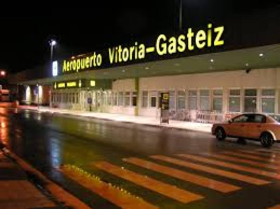 El aeropuerto de Vitoria está listo para recibir las vacunas este lunes como alternativa a Barajas
