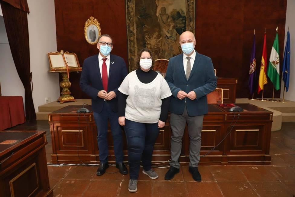 La alcaldesa de Torrecampo se vacuna de la covid con una dosis sobrante de la residencia   Diputación Córdoba