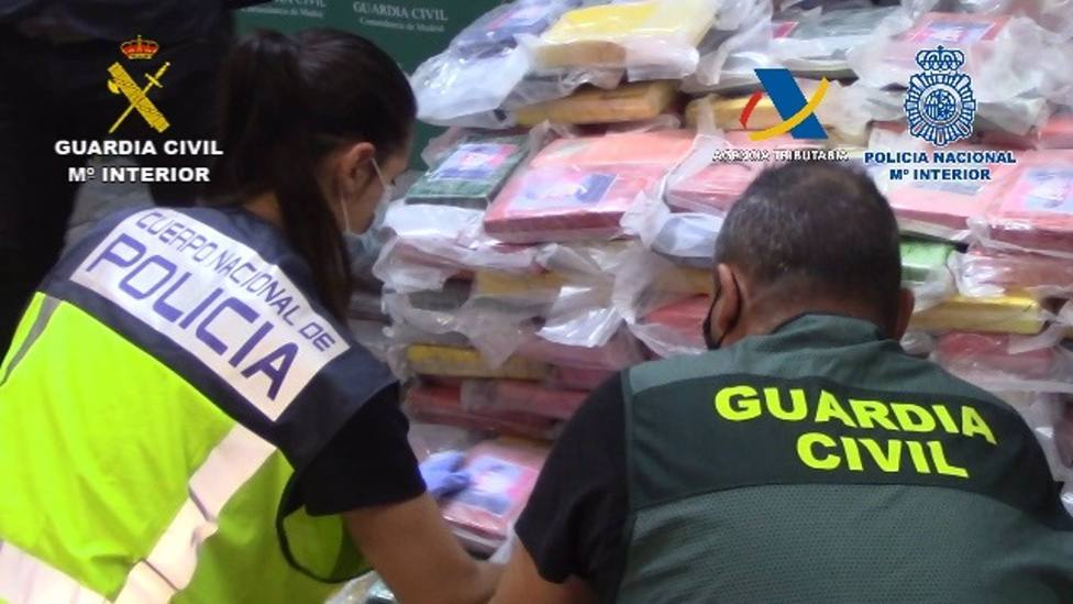 Desarticulada una organización que introducía por los puertos españoles grandes cantidades de cocaína oculta en carbón