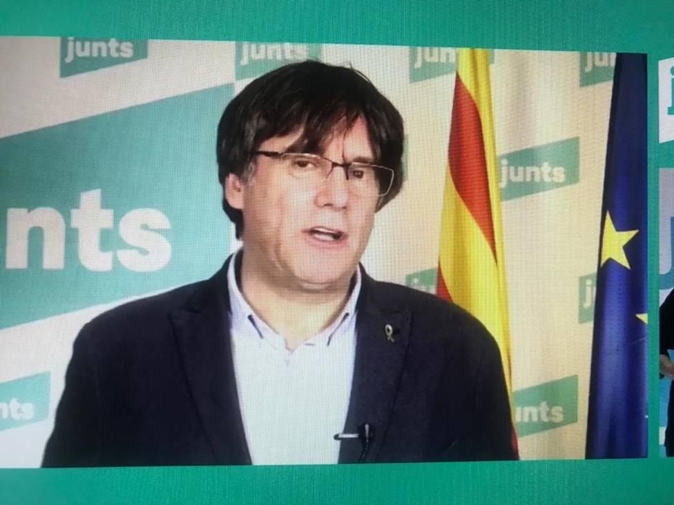 Puigdemont llama a la movilización para vencer a partidos de la resignación