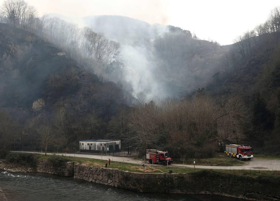 El incendio de Navarra ya no es una amenaza para personas y servicios básicos
