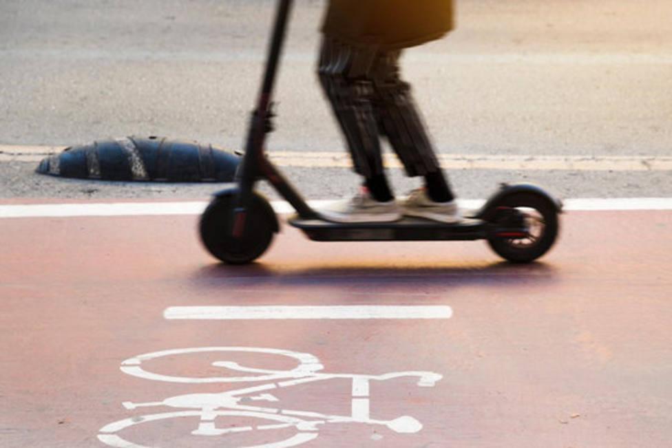 El 94% usuarios del patinete incumplen las normativas de uso