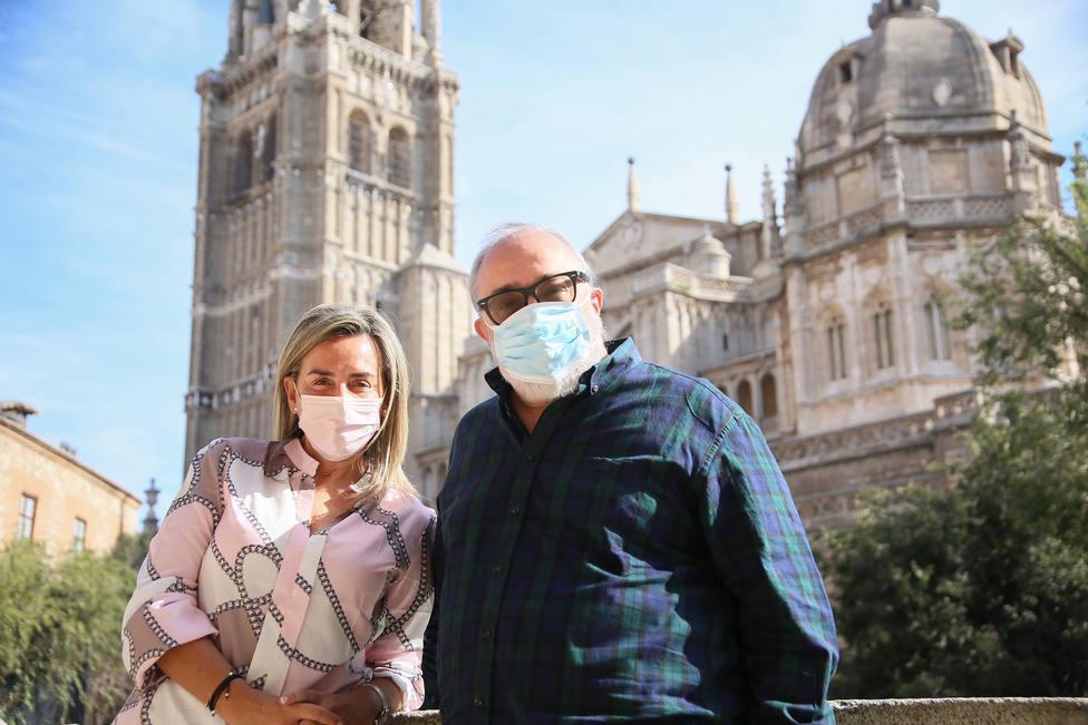Milagros Tolón acompaña a Alex de la Iglesia en su visita a Toledo