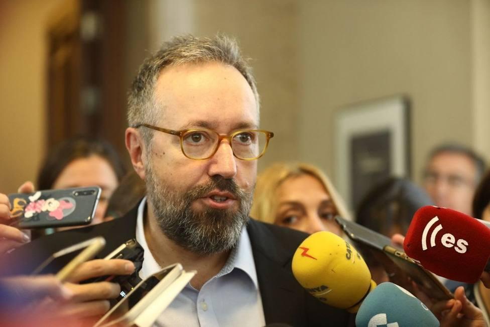 Girauta llama nacionalista a Núñez Feijóo y le acusa de discriminar el castellano