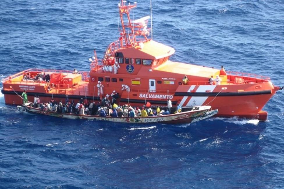 Imagen de Archivo de otra patera rescatada por Salvamento Marítimo