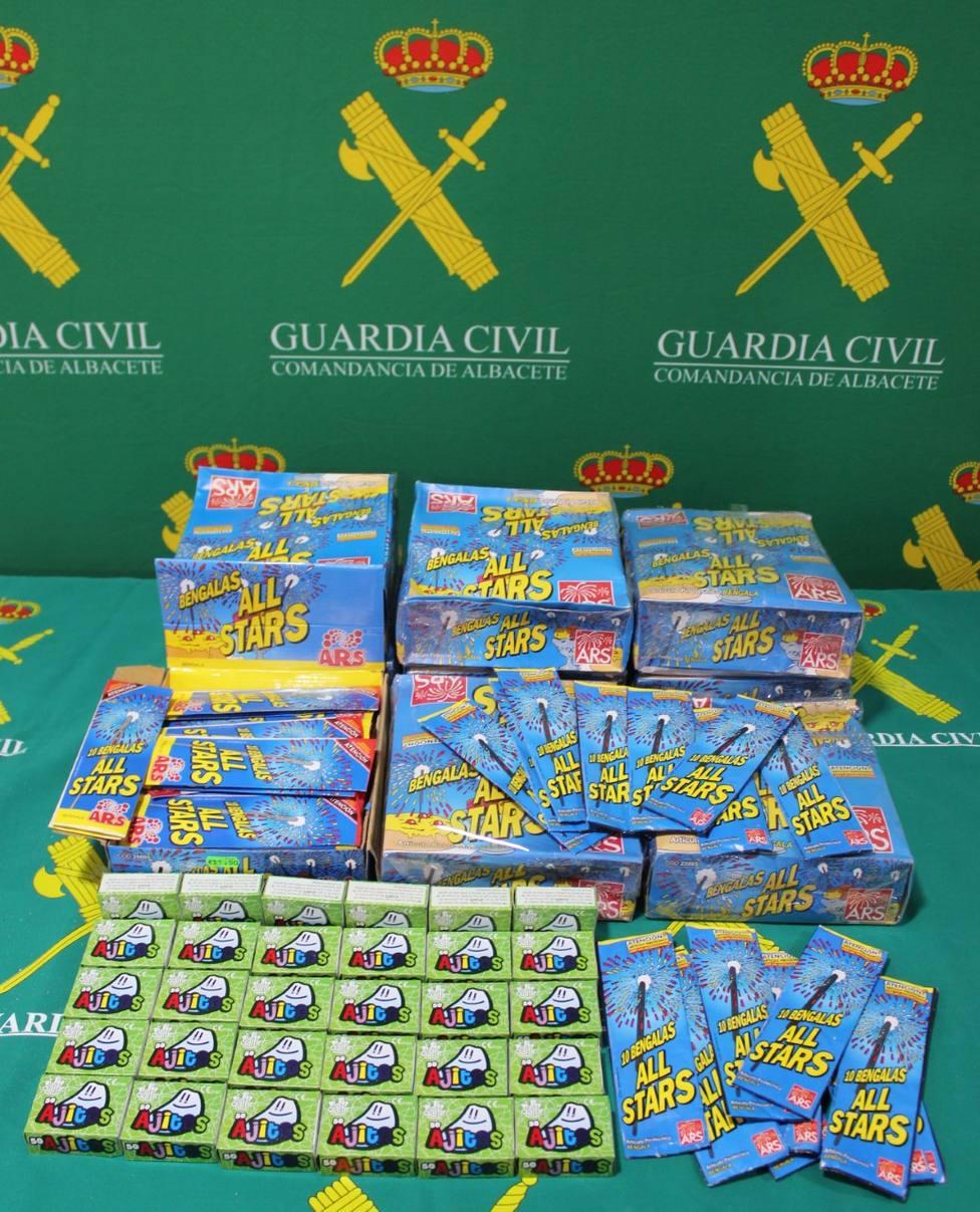 La Guardia Civil de Albacete intervino 11.070 unidades de artículos pirotécnicos durante la campaña navideña