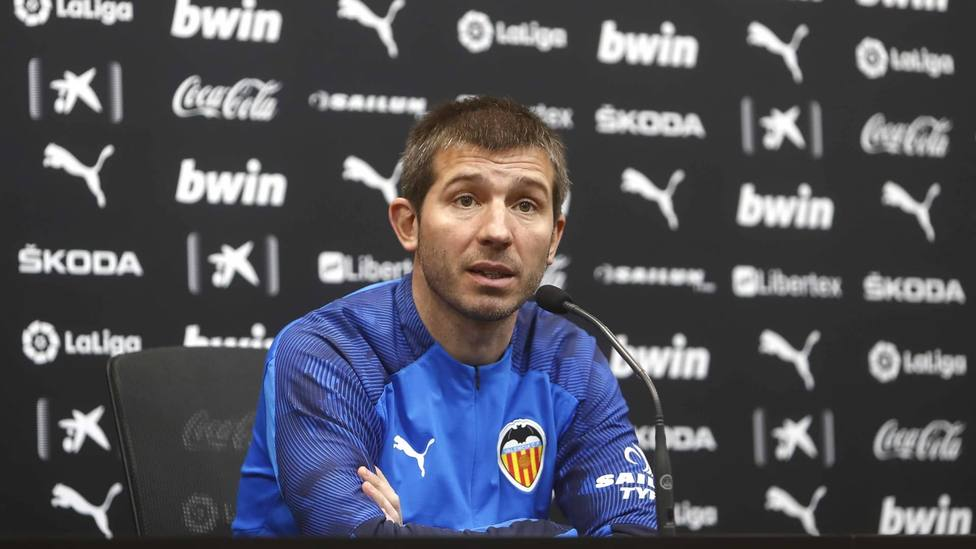 Celades, sobre Rodrigo: No ha ido a pasar reconocimiento médico con el Barcelona