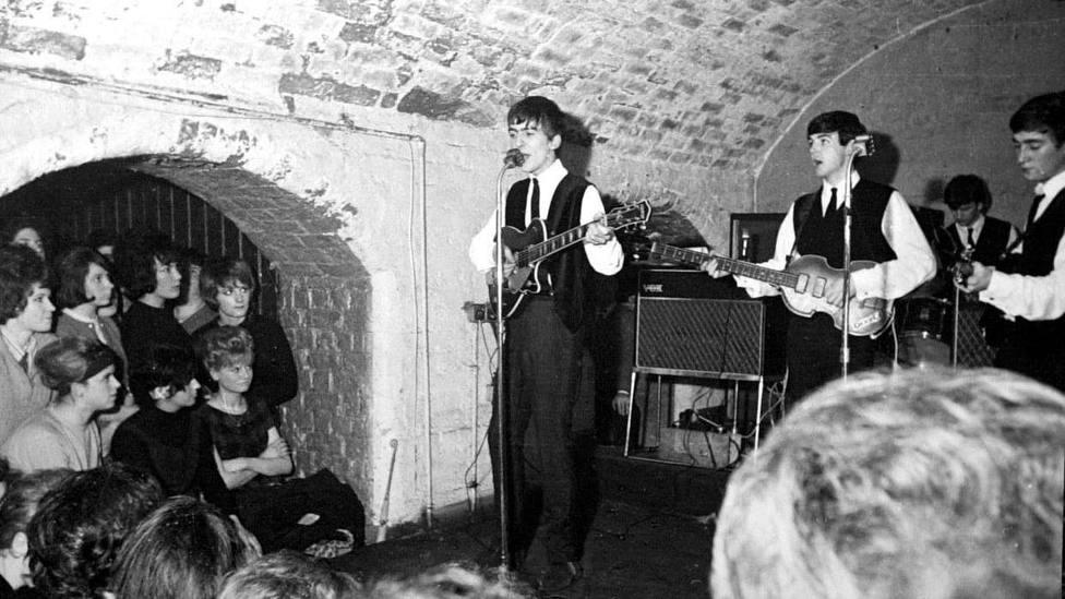 Primera actuación de The Beatles en The Cavern Club de Liverpool, 9 de febrero de 1961