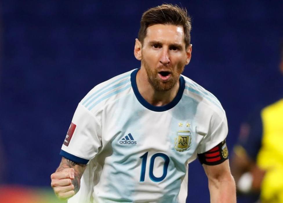 Messi amplía su leyenda y guía a Argentina a un trabajado triunfo