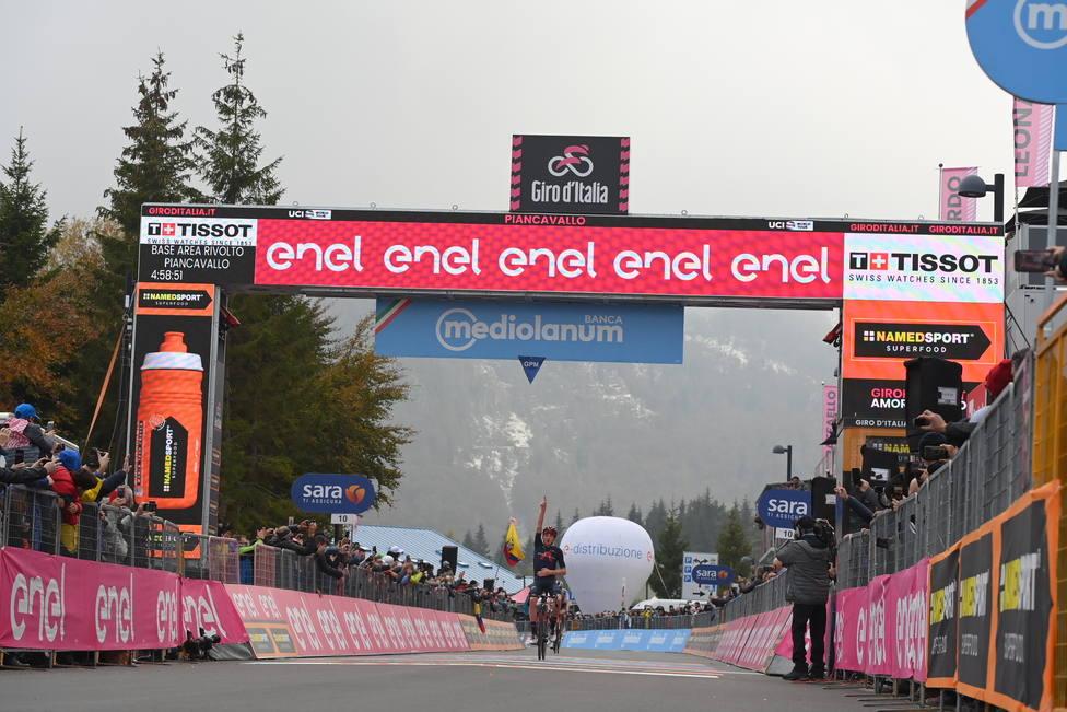 Geoghegan Hart triunfa en Piancavallo