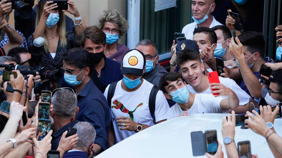 Luis Suárez abandona la Universidad de Perugia el pasado 17 de septiembre tras examinarse de italiano