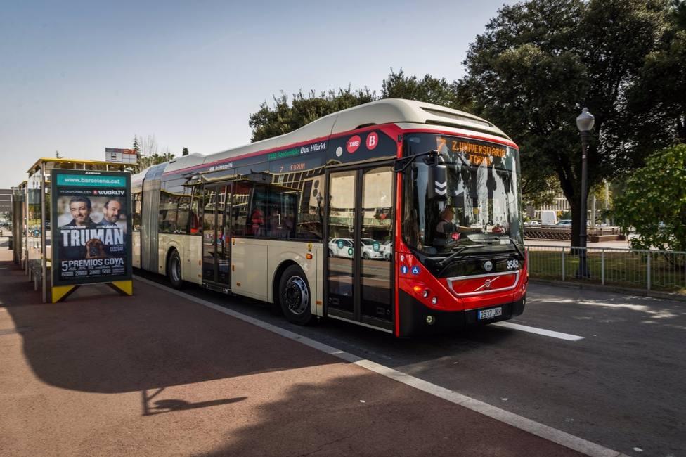 Barcelona, la tercera ciudad más cara en el viaje con bono de autobús urbano según Facua