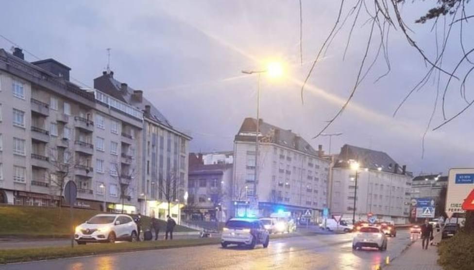 Agentes de la Policía Local de Ferrol en el lugar del atropello - FOTO: Tráfico Ferrolterra